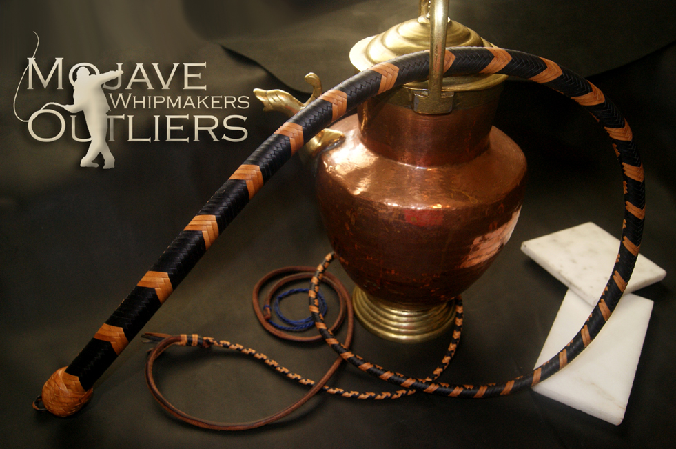 Mojave Outliers Whip Makers 5ft 24 plait Navy & Natural Kangaroo Leather Snake Whip