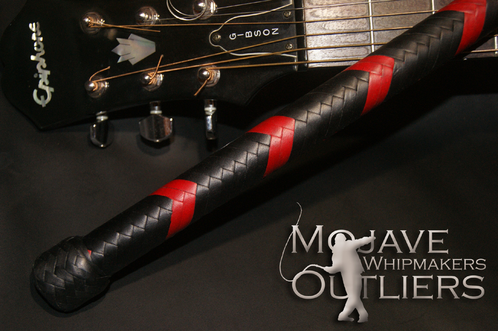 Mojave Outliers Whipmakers 7ft 16 plait Bullwhip DC Red and Black Kangaroo leather hide handle detail
