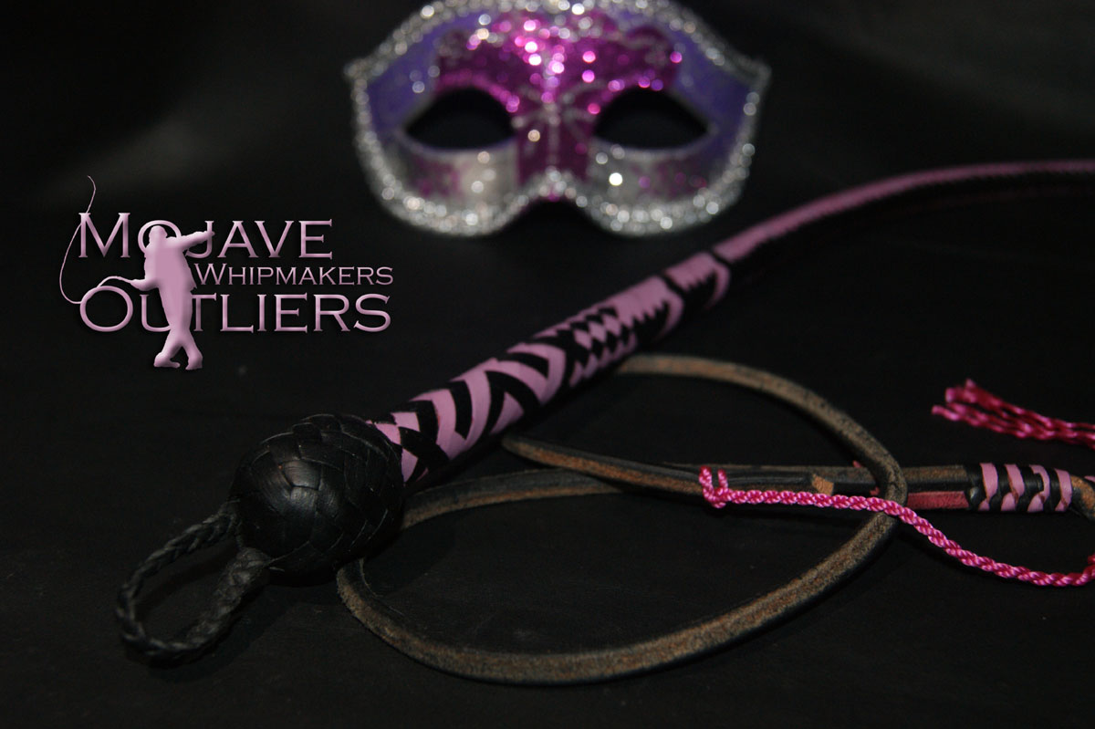 ...a little closer in to the handle of the pink hearts BB mini bullwhip pictured above...