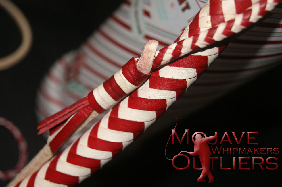...aaaaand a detail of the fall knots and plaiting on the Candy Cane BB mini bullwhip!