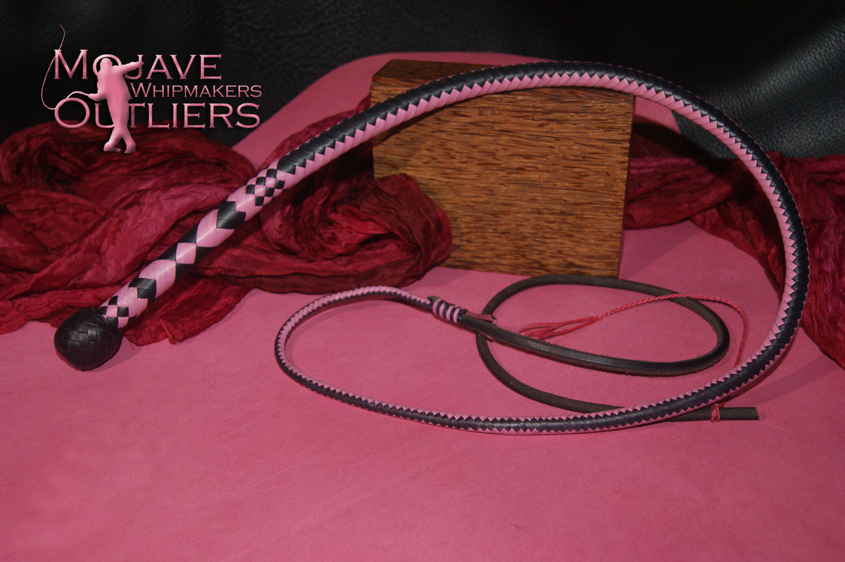 Mojave Outliers 3ft 12 plait Budget Boudoir Bullwhip, black & pink hearts Valentine's Day