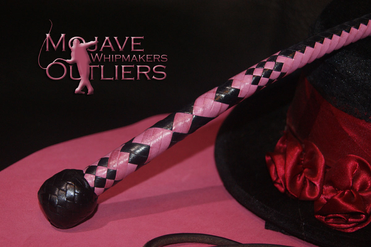 Mojave Outliers 3ft 12 plait Budget Boudoir Snake whip Handle, black & pink hearts Valentine's Day